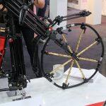 Ein Fahrrad aus Stativ-Teilen