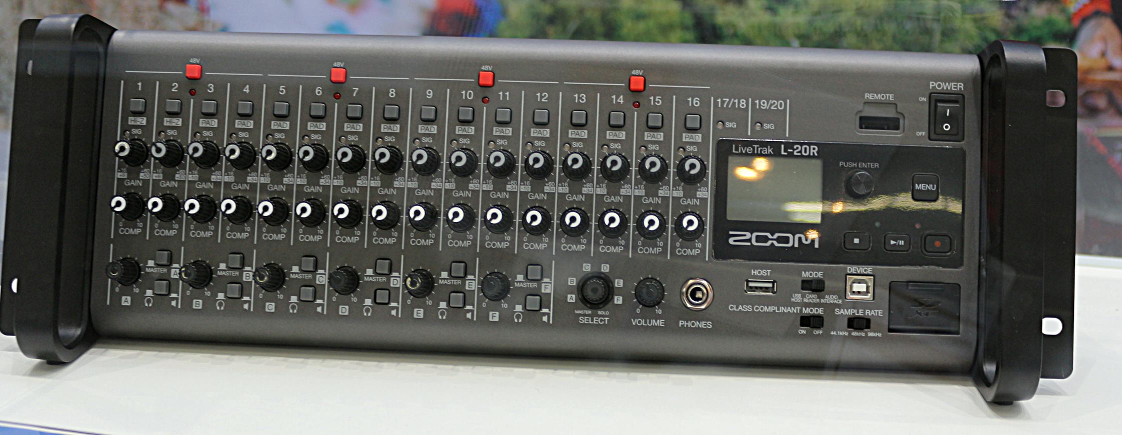 Zoom L20R
